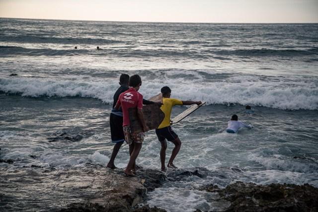 cuban_surfers_inline_3